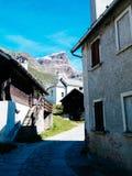 Piccolo paesino di montagna del devero di Alpe, alpi di Lepontine, estate Mo Immagine Stock