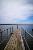 Piccolo porto al fiume pacifico Immagine Stock Libera da Diritti