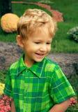 Piccolo ragazzo sorridente Fotografia Stock Libera da Diritti