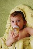 Piccolo ragazzo sveglio Immagini Stock Libere da Diritti