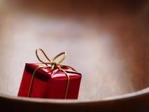 Piccolo regalo rosso Immagini Stock Libere da Diritti