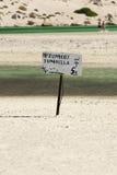 Piccolo segno sulla spiaggia, Crete, Grecia Fotografia Stock