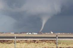 Piccolo tornado del cono con detriti Fotografia Stock Libera da Diritti