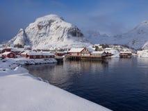 Piccolo villaggio del ` s dei pescatori di Ã… su Lofoten, Norvegia Immagine Stock