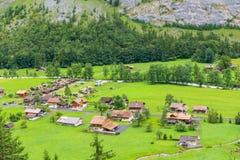 Piccolo villaggio della valle Svizzera di Lauterbrunnen Immagini Stock Libere da Diritti