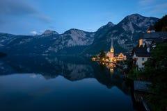 Piccolo villaggio famoso Hallstatt, Austria fotografie stock libere da diritti