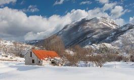 Piccolo villaggio nelle montagne montenegro Immagini Stock Libere da Diritti
