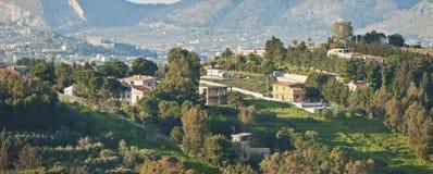 Piccolo villaggio in supporti della Sicilia Fotografia Stock