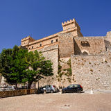 Piccolomini slott i celano & x28; Italy& x29; Arkivbilder