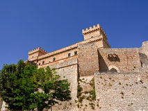 Piccolomini slott i celano & x28; Italy& x29; Arkivbild