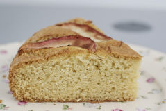 Pice van cake op de oude manierplaat Royalty-vrije Stock Foto
