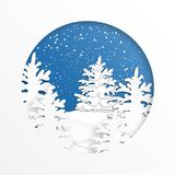 Picea adornada en el bosque con nieve en la estación y la Navidad del invierno Arte del vector y estilo digital del arte Papel ilustración del vector