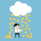 Pièces de monnaie pleuvant au-dessus d'un homme d'affaires Image libre de droits