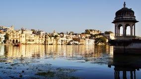 Pichola湖和Palas Udajpur,印度 免版税库存图片