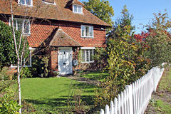 Picket fence kent cottage Royalty Free Stock Photos
