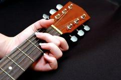 pickin för 2 gitarr Arkivfoto
