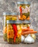 Pickled смешало консервировать овощей домашний Стоковое Фото