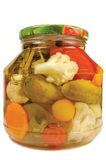 Pickled a mis en boîte le pot en verre d'isolement par assortiment fait maison de légumes Photos stock