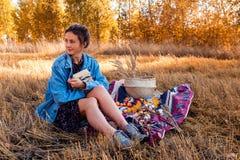 Picknick in der Frischluft stockfotos