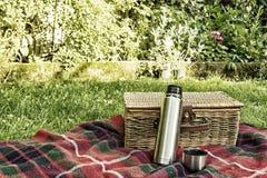 Picknick-Flasche Lizenzfreies Stockfoto