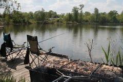 Picknick på en fisketur Royaltyfria Bilder