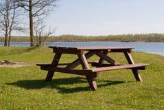Picknick-Tabelle Lizenzfreies Stockfoto