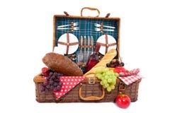 Picknickkorb Lizenzfreie Stockfotos