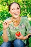 picknickkvinna Arkivfoton