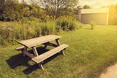 Picknicklijst royalty-vrije stock fotografie