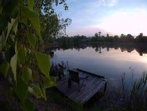 Picknickplats sjö picknick, natur som är utomhus- Royaltyfria Bilder