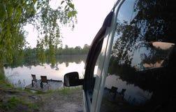Picknickplats sjö picknick, natur som är utomhus- Arkivfoto