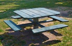 picknicktabell Fotografering för Bildbyråer