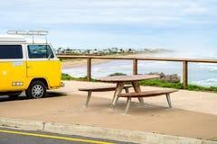 Picknicktisch bei Middleton Beach stockbild