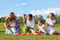 picnic οικογενειακών πάρκων στοκ εικόνα με δικαίωμα ελεύθερης χρήσης