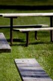 picnic πίνακες στοκ φωτογραφία με δικαίωμα ελεύθερης χρήσης