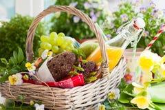 Free Picnic Basket Royalty Free Stock Photos - 53903548