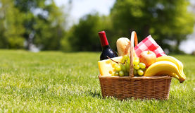 Picnic basket with food Royalty Free Stock Photo