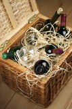 Picnic basket with wine Royalty Free Stock Photos
