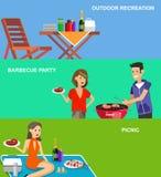 Picnic della famiglia Partito del BBQ Alimento e barbecue Fotografia Stock