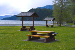 A picnic table with gorgeous view at Lake Royalty Free Stock Photography