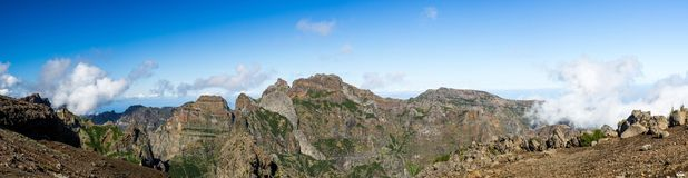 Pico做Arieiro视图,马德拉岛 免版税库存照片