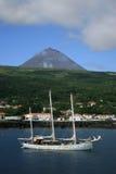 Pico挂接亚速尔群岛São Roque港口 免版税图库摄影