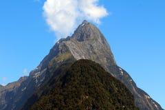Pico da mitra, Milford Sound, Nova Zelândia foto de stock royalty free