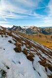 Pico de Chörblispitz y pico de Les Reccardets en el cantón de Fribourg, Suiza foto de archivo