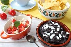 Pico De Gallo i czarnej fasoli salsa obraz royalty free
