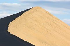 Pico de la duna de arena fotografía de archivo libre de regalías