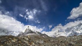 Pico de la isla del soporte, 6189 m en la regi?n de Everest de Himalaya fotos de archivo
