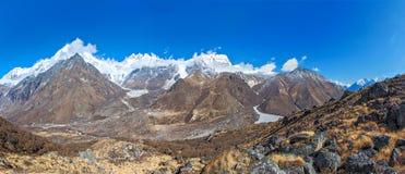 Pico de Langtang del soporte, Nepal Imagenes de archivo