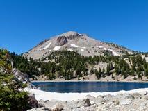 Pico de Lassen, lago Helen Foto de archivo