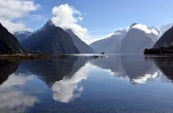 Pico de Milford Sound y del inglete Imagen de archivo libre de regalías